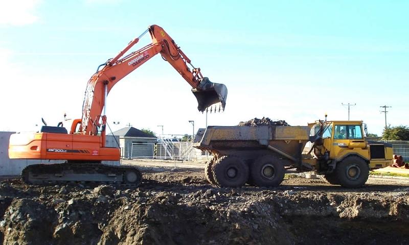 plant-hire-excavator-1